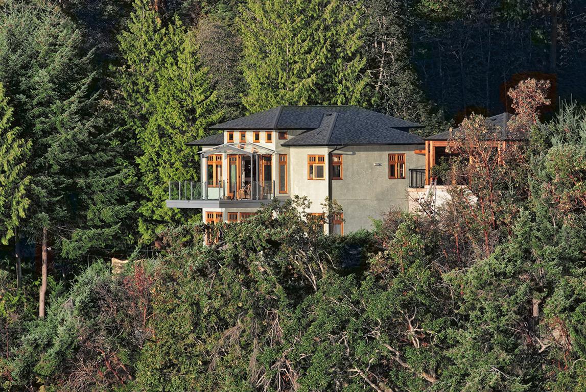 Cliffside Maple Bay